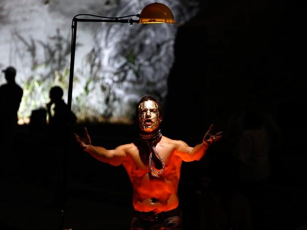 Intervenção artística realizada durante o evento de reabertura na Concha (Foto: Manu Dias/ GOVBA)