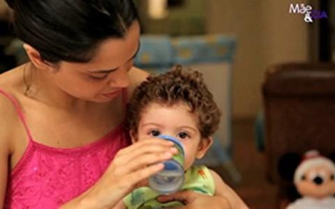 Amamentação: pediatra explica a importância do desmame