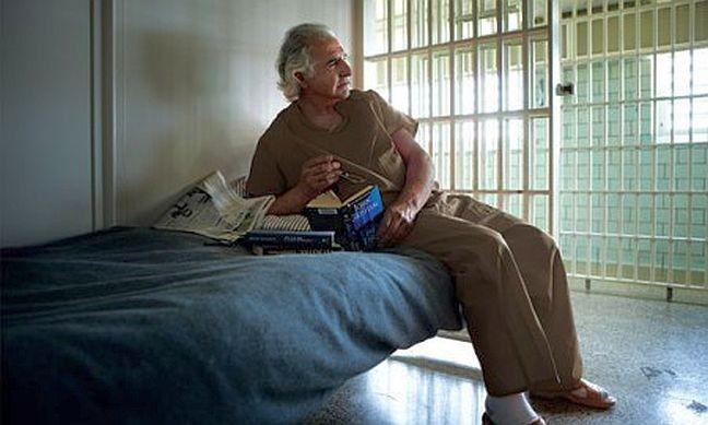 Bernard Madoff na prisão (Foto: Jason Diamond)