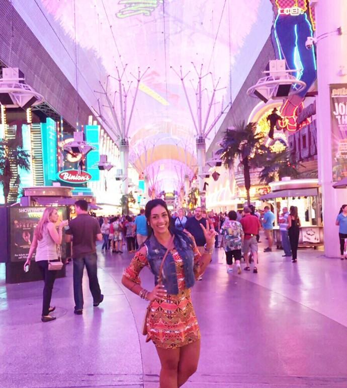 e1a265a4d Ex-BBB Amanda Djehdian visita Las Vegas pela primeira vez - notícias ...