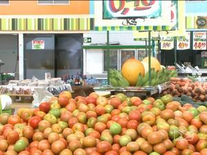 """O tomate já é apontado como """"vilão"""" em outras partes do país também (Foto: Reprodução/TV Mirante)"""
