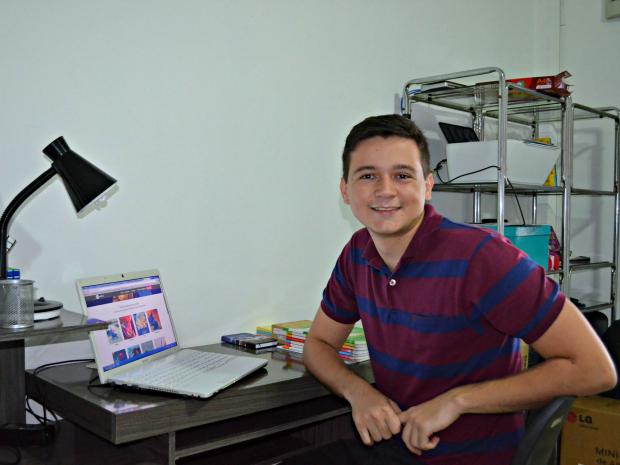 Calouro de medicina diz que resolvia 150 questões de provas anteriores do Enem (Foto: Iryá Rodrigues/G1)