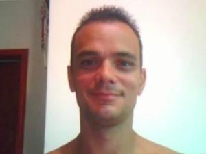 Vinícius Rodrigues Paiva, de 30 anos, foi morto durante o tiroteio (Foto: Reprodução/TV Tribuna)