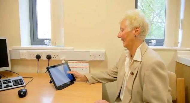 O Cantab, desenvolvido pela Universidade de Cambridge, no Reino Unido, é projetado para ajudar o diagnóstico precoce da doença (Foto: Reprodução / Youtube)