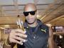 """Asafa Powell corre de kart, não gosta de açaí e comenta """"torcida"""" por Bolt"""