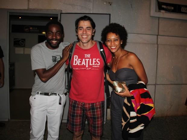 Taís Araújo e Lázaro Ramos com elenco de 'Elis, a musical' em teatro na Zona Sul do Rio (Foto: Rogério Fidalgo/ Ag. News)