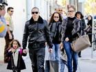 Aumentando a família: Jennifer Lopez adota cachorro com o namorado