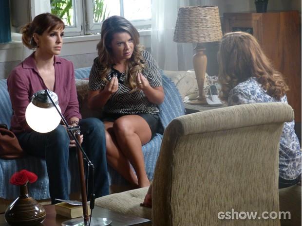 Bernadete tenta defender Anita  (Foto: Malhação / TV Globo)