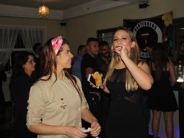 Ex-BBB Maria Claudia, a Cacau, em festa na Tijuca, Zona Norte do Rio (Foto: Rogerio Fidalgo/ Ag. News)