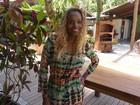 No 'Pede com Jeitinho', Roberta Rodrigues implora para 'ficar' com fã
