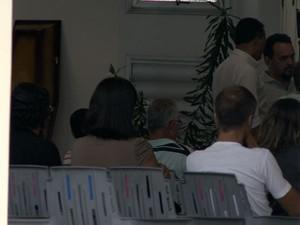 Corpo de Saulo é velado em igreja de Vitória (Foto: Reprodução/ TV Gazeta)