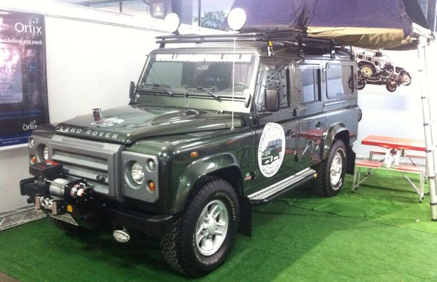 Land Rover Defender Off Road (Foto: Fernando Bumbeers)