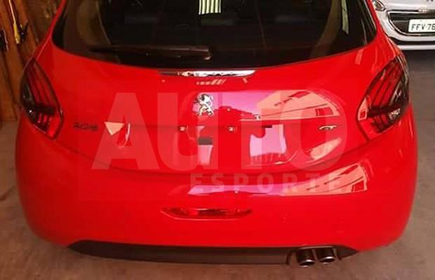 Peugeot 208 GT revelado em flagra (Foto: Reprodução)