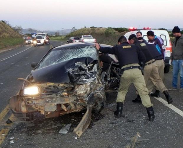 Acidente deixa três feridos próximo a Guaxupé, na BR-491 (Foto: Jornal Jogo Sério)