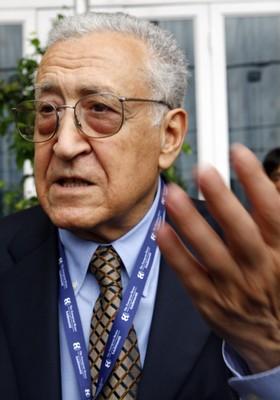 Lakhdar Brahimi  (Foto: AP Photo/Luca Bruno, arquivo)