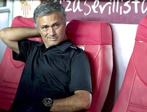 Mourinho, Sevilla e Real Madrid (Foto: Agência EFE)