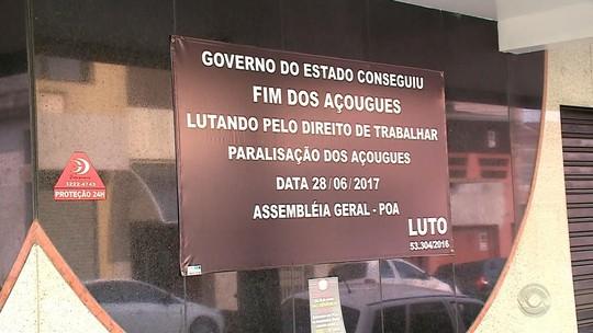 Açougueiros protestam contra medida que restringe venda de carnes no Rio Grande do Sul