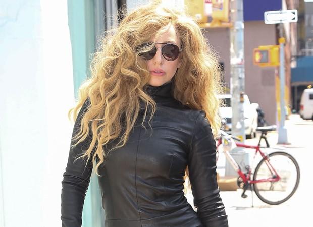 Lady Gaga Faz Musica Para Donatella Versace