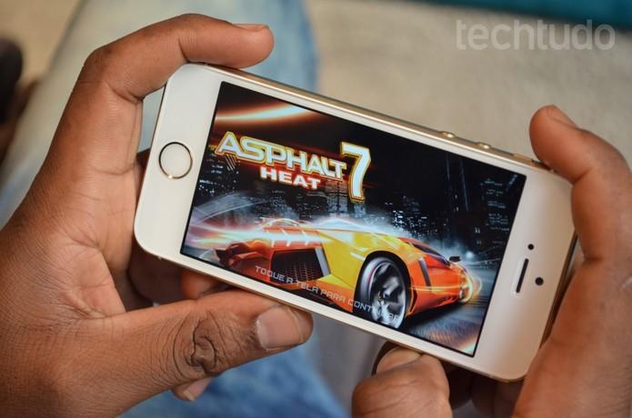 iPhone 5S vem com processador mais avançado A7 (Foto: Luciana Maline/TechTudo) (Foto: iPhone 5S vem com processador mais avançado A7 (Foto: Luciana Maline/TechTudo))