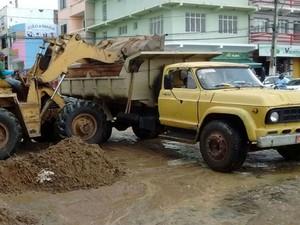Trabalho de limpeza das ruas deve acontecer ao longo desta terça-feira (5) (Foto: Blog Marcos Frahm)
