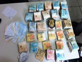 Operação da Polícia Civil apreendeu R$ 173 mil em espécie. (Foto: Divulgação / Polícia Civil)
