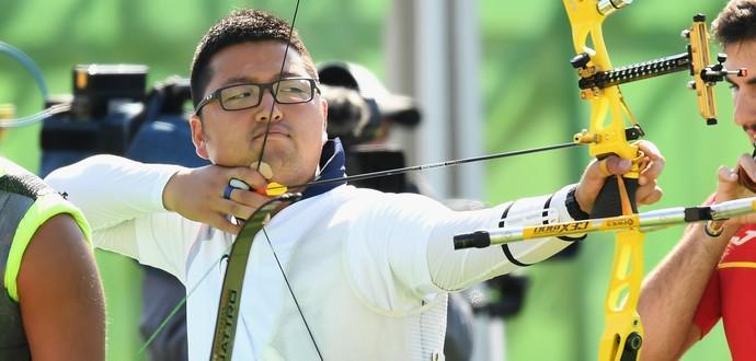 kim woojin, arqueiro sul-coreano, bate recorde no tiro com arco (Foto: Quinn Rooney/Getty Images)