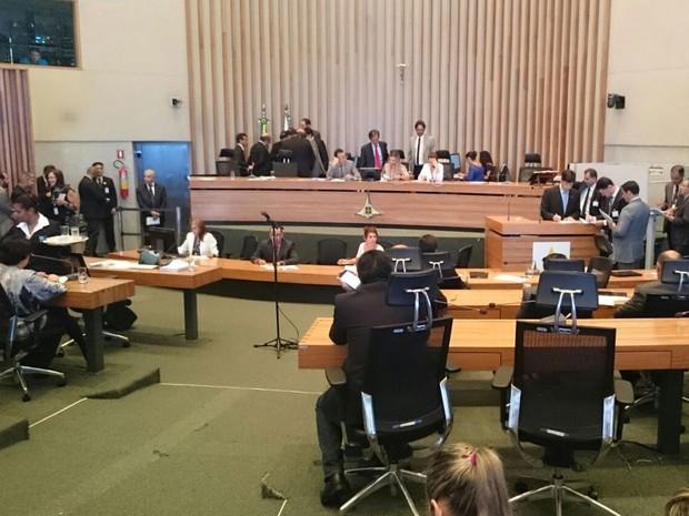 Plenário da Câmara Legislativa do Distrito Federal na última sessão do ano (Foto: Mateus Rodrigues/G1)