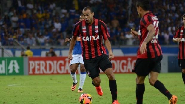 Roger Atlético-PR (Foto: Bruno Baggio/Site oficial do Atlético-PR)