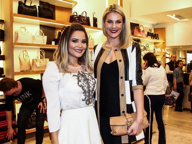 Geisy Arruda e Ana Hickmann em evento em São Paulo (Foto  Manuela Scarpa  e37e06bc8a