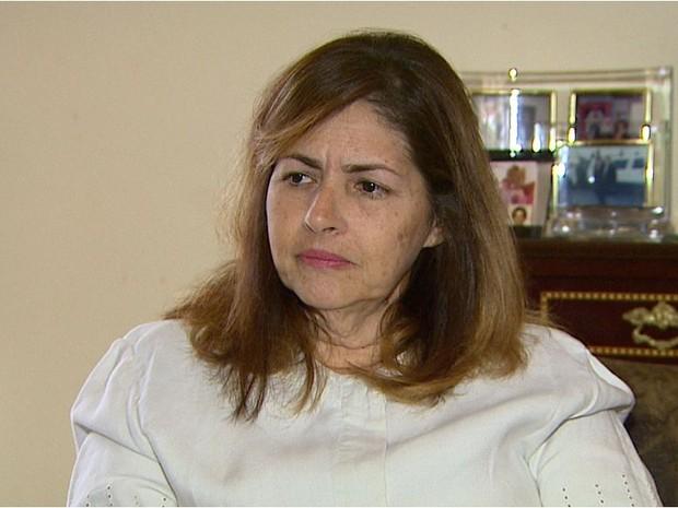 Maria de Lourdes, viúva de Pedrinho, nega que marido tenha reagido a assalto (Foto: Maurício Glauco/EPTV)