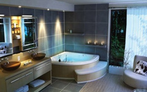 Banheiros espaçosos, com banheira e iluminação impecável: veja fotos