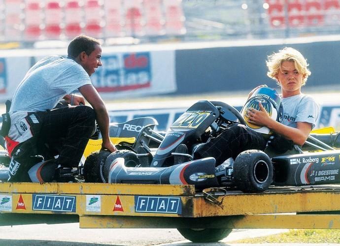 Lewis Hamilton e Nico Rosberg na época em que corriam de Kart (Foto: Divulgação/twitter)