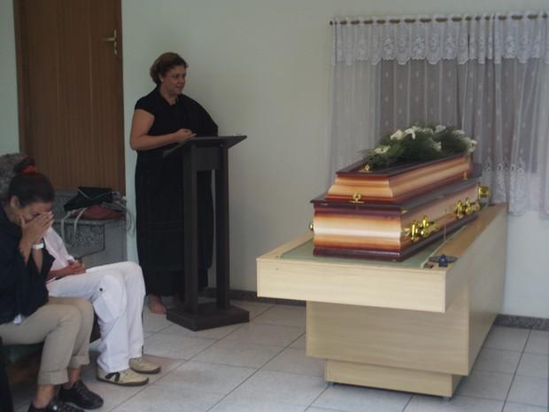 Corpo da atriz foi cremado após uma cerimônia reservada em Nova Friburgo (Foto: Juliana Scarini / G1)