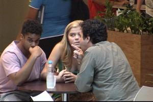 Pai não aceita namorado negro da filha em cena do 'Vai Fazer o Quê?' (Rede Globo)