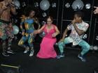Susana Vieira dança funk até o chão em festa de 'A regra do jogo'