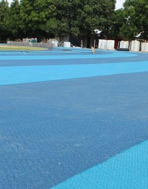 pista de atletismo UFPI (Foto: Abdias Bideh/GloboEsporte.com)