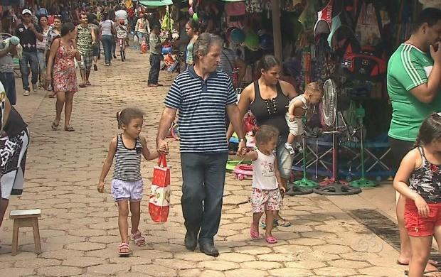 O comércio informal faturou com o comércio informal durante feriado prolongado. (Foto: Bom Dia Amazônia)
