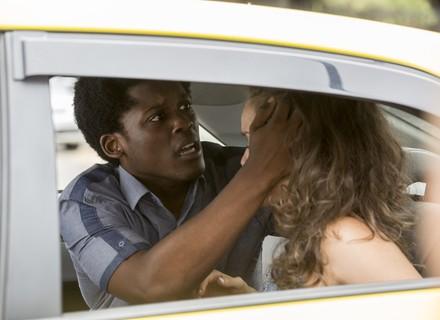 JF e Luana sofrem acidente no caminho para audição