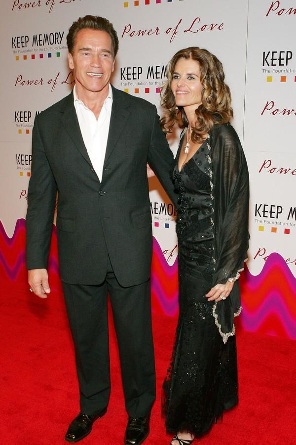 O ator Arnold Schwarzenegger e sua ex, Maria Shriver (Foto: Getty Images)