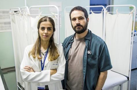 Caco Ciocler e  Ana Petta farão 'Unidade básica'  (Foto: Danielle Feltrin)