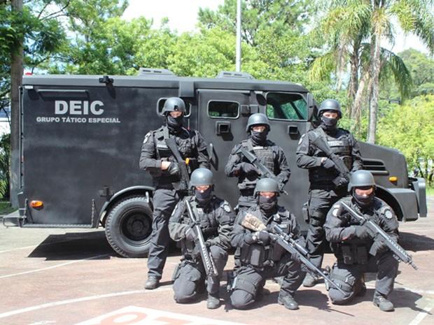 Deic recebeu veículo blindado em Porto Alegre (Foto: Divulgação/Polícia Civil)