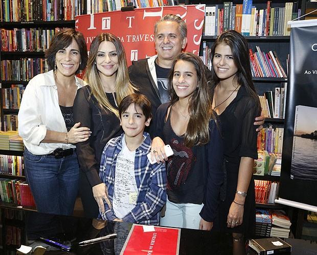 Glória Pires, Cleo Pires, Bento, Orlando Morais, Ana Morais e Antonia Morais (Foto: Roberto Filho  / AgNews)