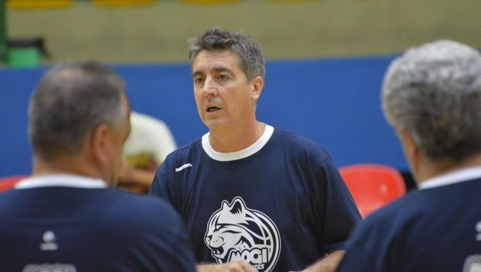 Guerrinha técnico Mogi das CRuzes basquete (Foto: Vitor Geron)