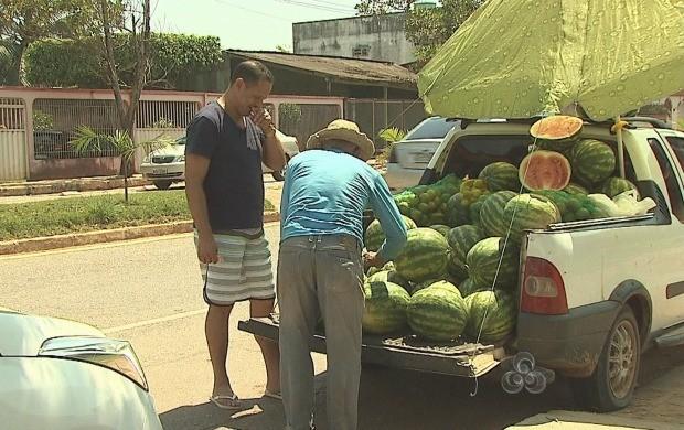 Fruta teve alta no preço, na capital (Foto: Acre TV)
