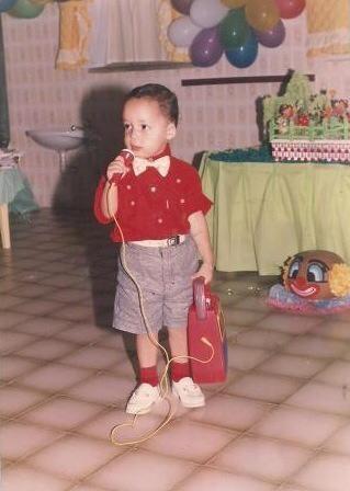 Paulo Ricardo já demostrava intimidade com o jornalismo desde pequeno (Foto: Arquivo Pessoal/ Paulo Ricardo Sobral)