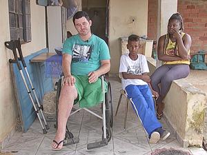 Padrasto de Pedro Henrique perdeu a perna esquerda há um ano (Foto: Reprodução/TV TEM)