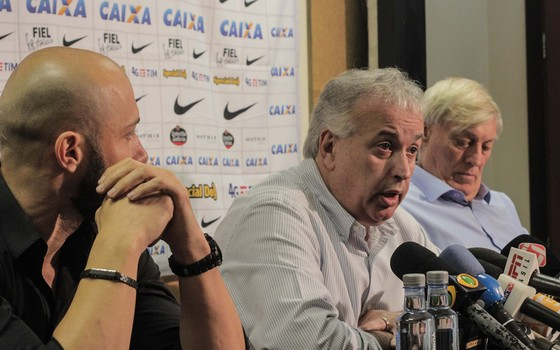 Alessandro, Roberto de Andrade e Flávio Adauto: os responsáveis pelo futebol do Corinthians em 2017 (Foto: Agência Corinthians)