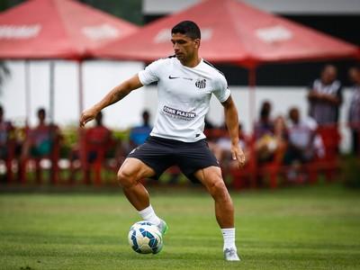 Renato Santos (Foto: Ricardo Saibun / Divulgação SantosFC)