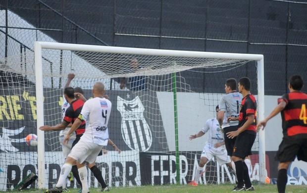 Central x Sport - Mancha (Foto: Aldo Carneiro/Pernambuco Press)