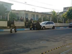 Confusão começou após preso passar mal, disse polícia (Foto: Danuse Cunha/Itamaraju Notícias)